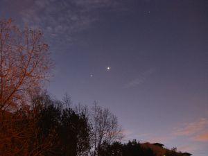 Венера, Юпитер и Марс на утреннем небе над Москвой 23 октября 2015 г.