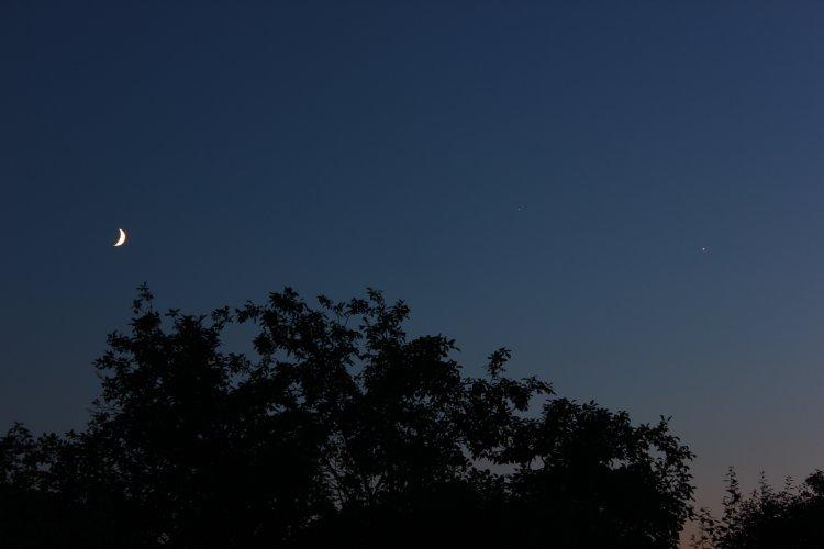 Луна, Венера и Юпитер на вечернем небе, Орел, 21 июня 2015 г.